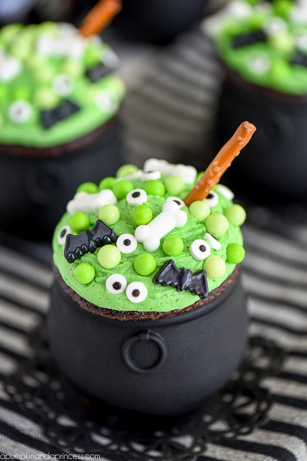 Easy-Cauldron-Cupcakes-Recipe