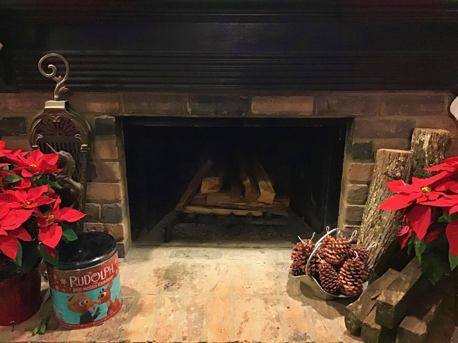 Pine Cone Fire Starter DIY Fireplace Vignette