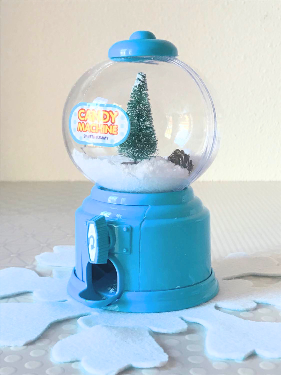 bright diy snowflake placemat and gumball machine snow globe_brightest