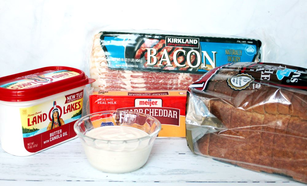 ingredients for bacon cheddar ranch dip 1