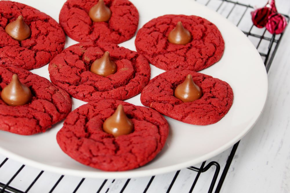 red velvet kiss cookies on plate closeup 1