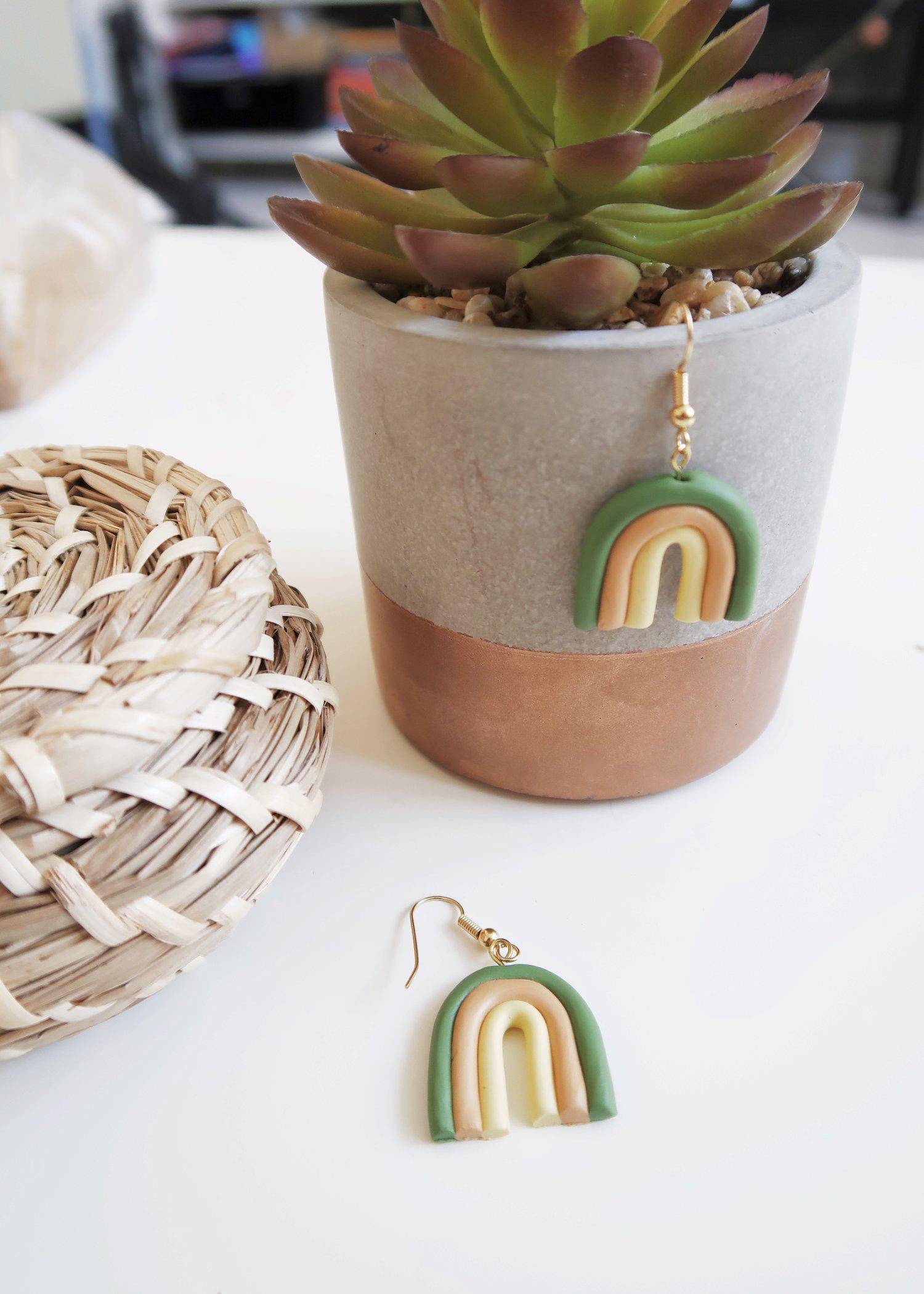 DIY Rainbow Earrings by Isoscella craft tutorial