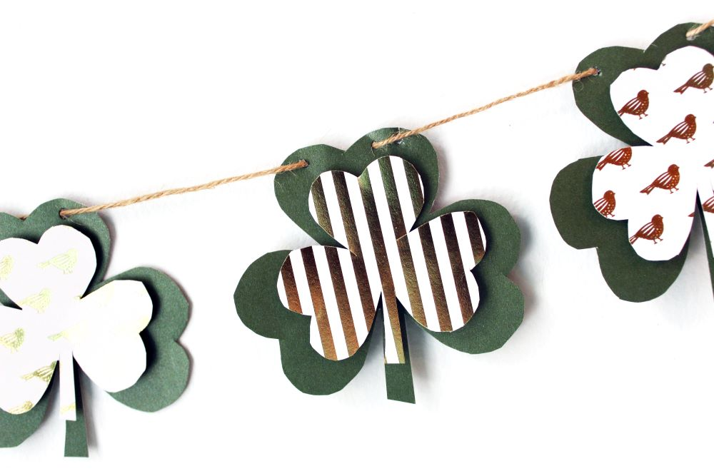 closeup diy shamrock banner garland 1