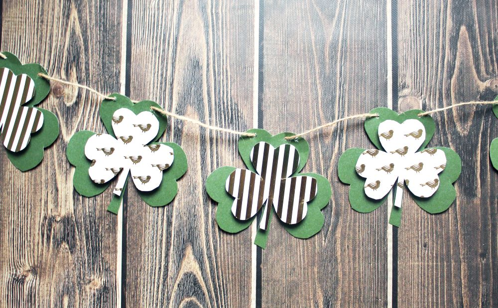 closeup of finished diy shamrock garland 1