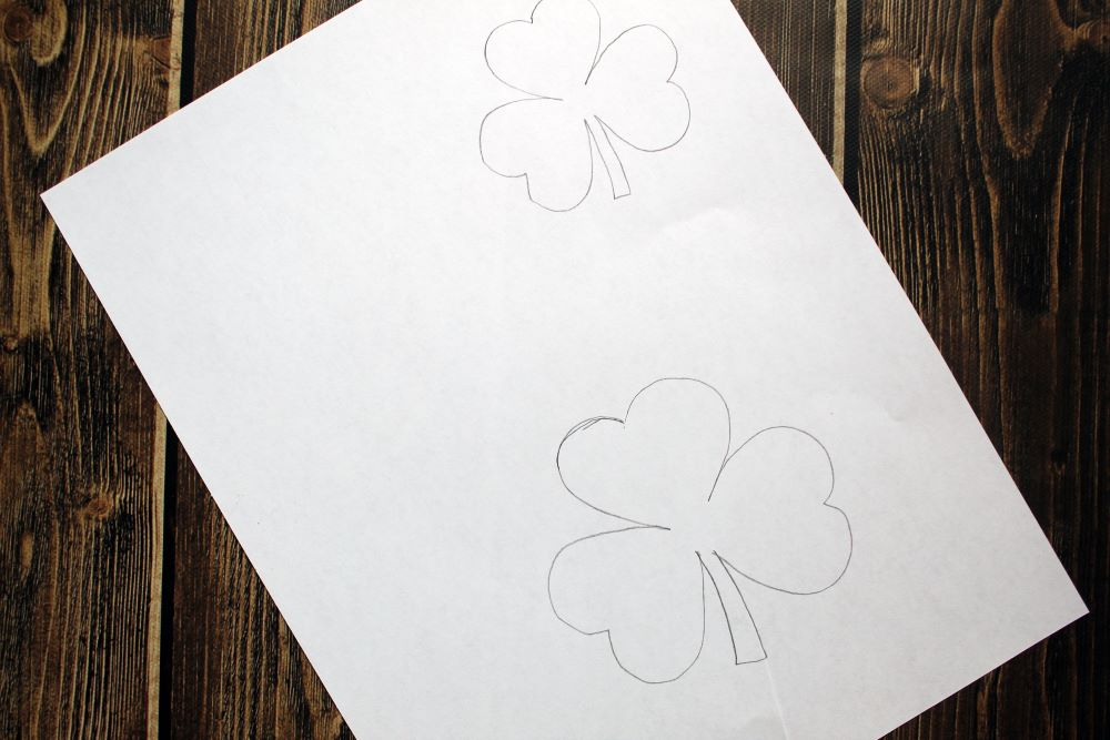 making shamrock template for garland 1