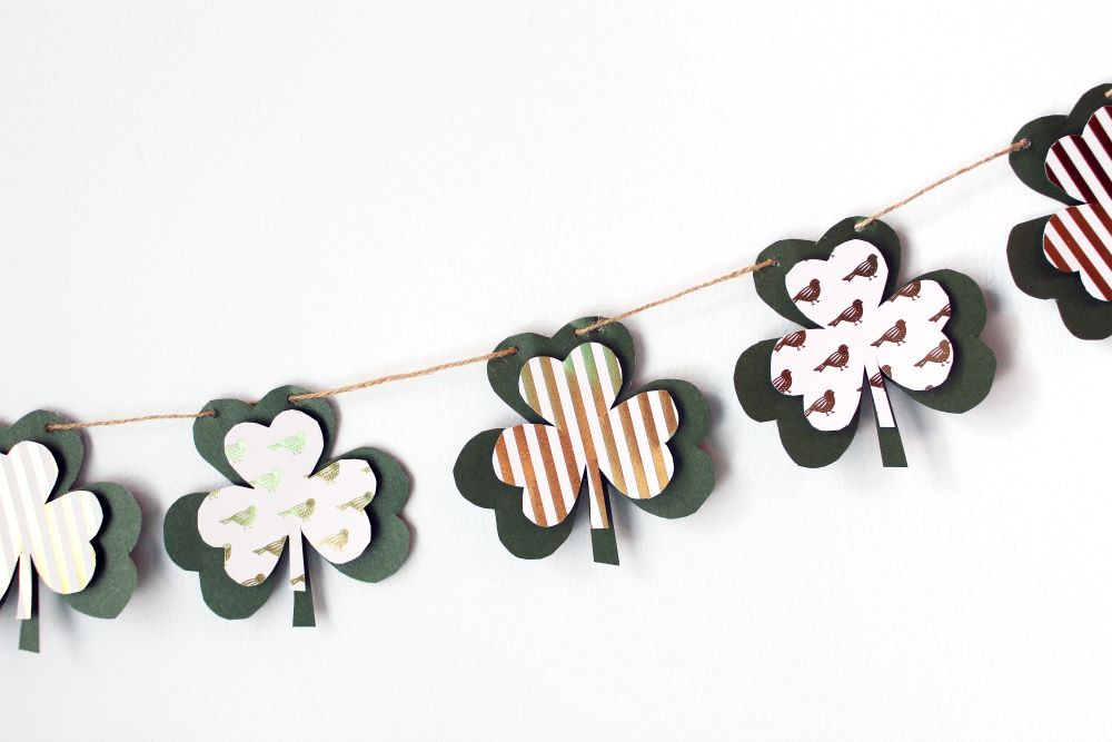 shamrock diy banner st patricks day 1