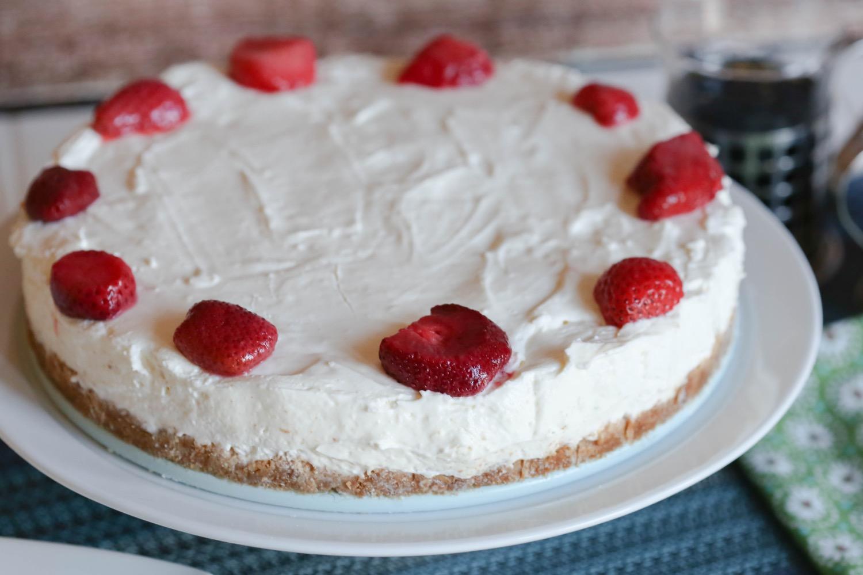 close up detail no bake cheesecake recipe
