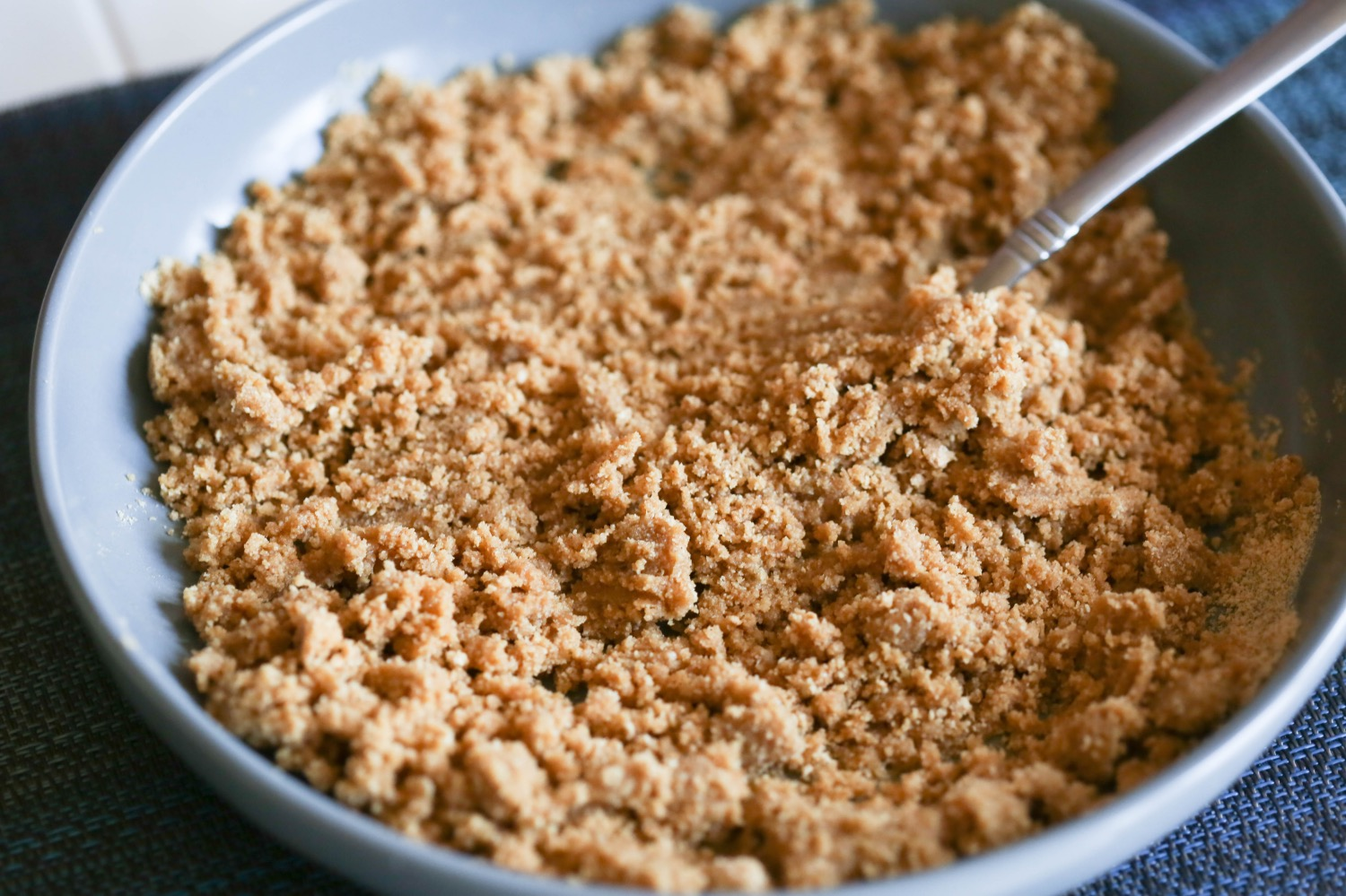 mixed graham cracker crust for no bake cheesecake
