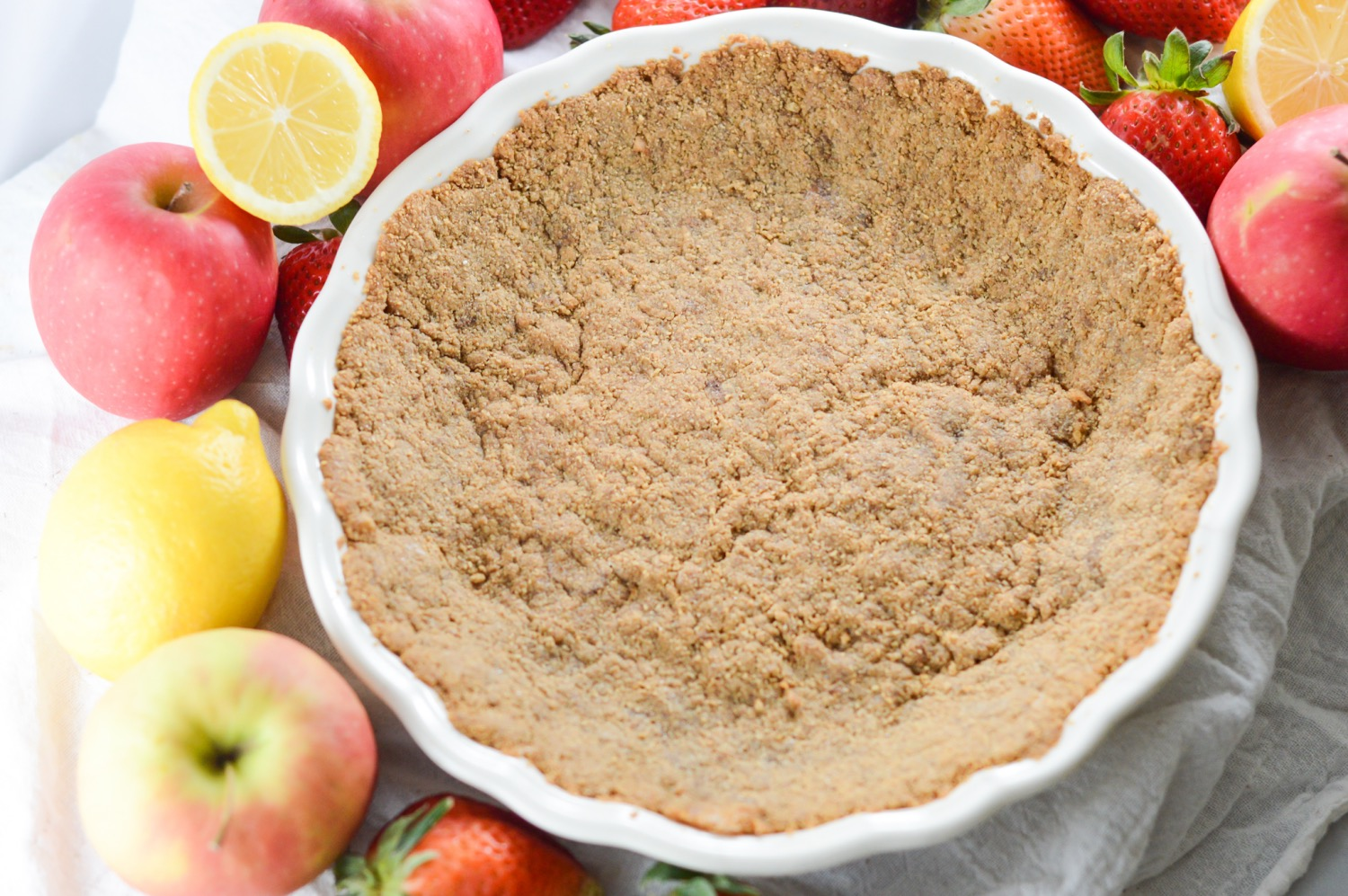 simple and easy graham cracker crust close up