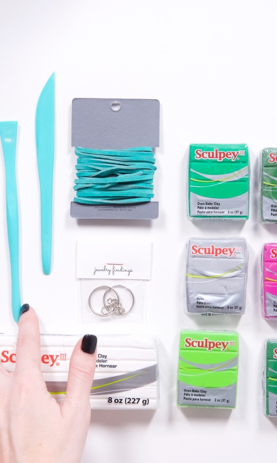 supplies inside the march craft in style subscription box
