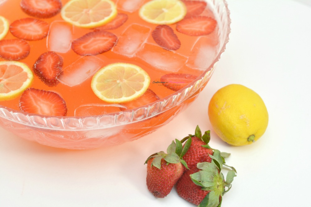 Strawberry-Moscato-Punch-Horizontal-11