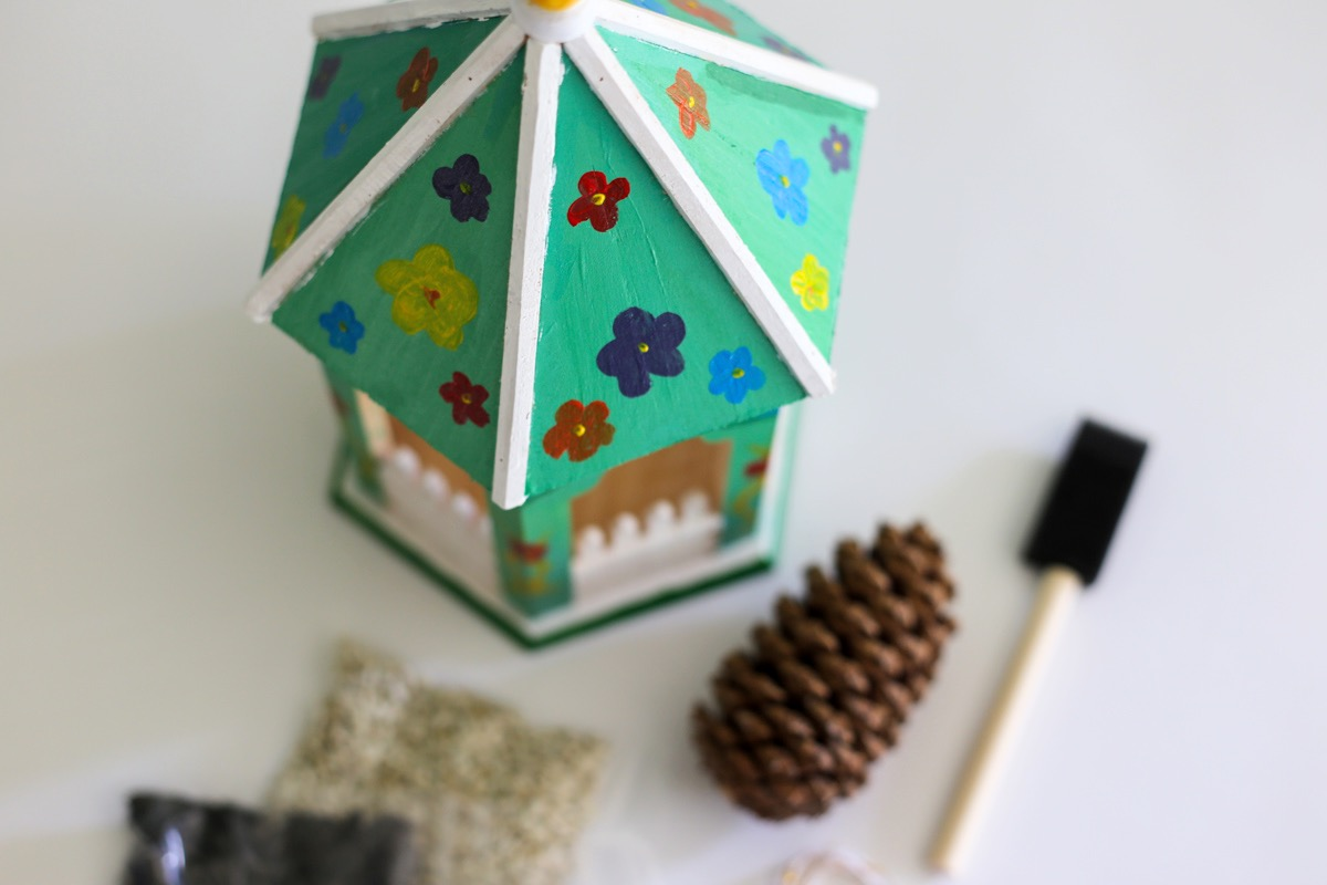 detail diy hand painted wooden bird feeder craft in style
