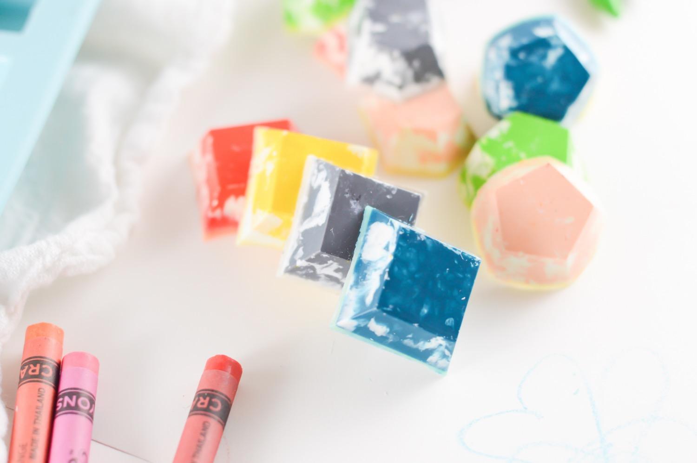 homemade rainbow gemstone crayons craft tutorial