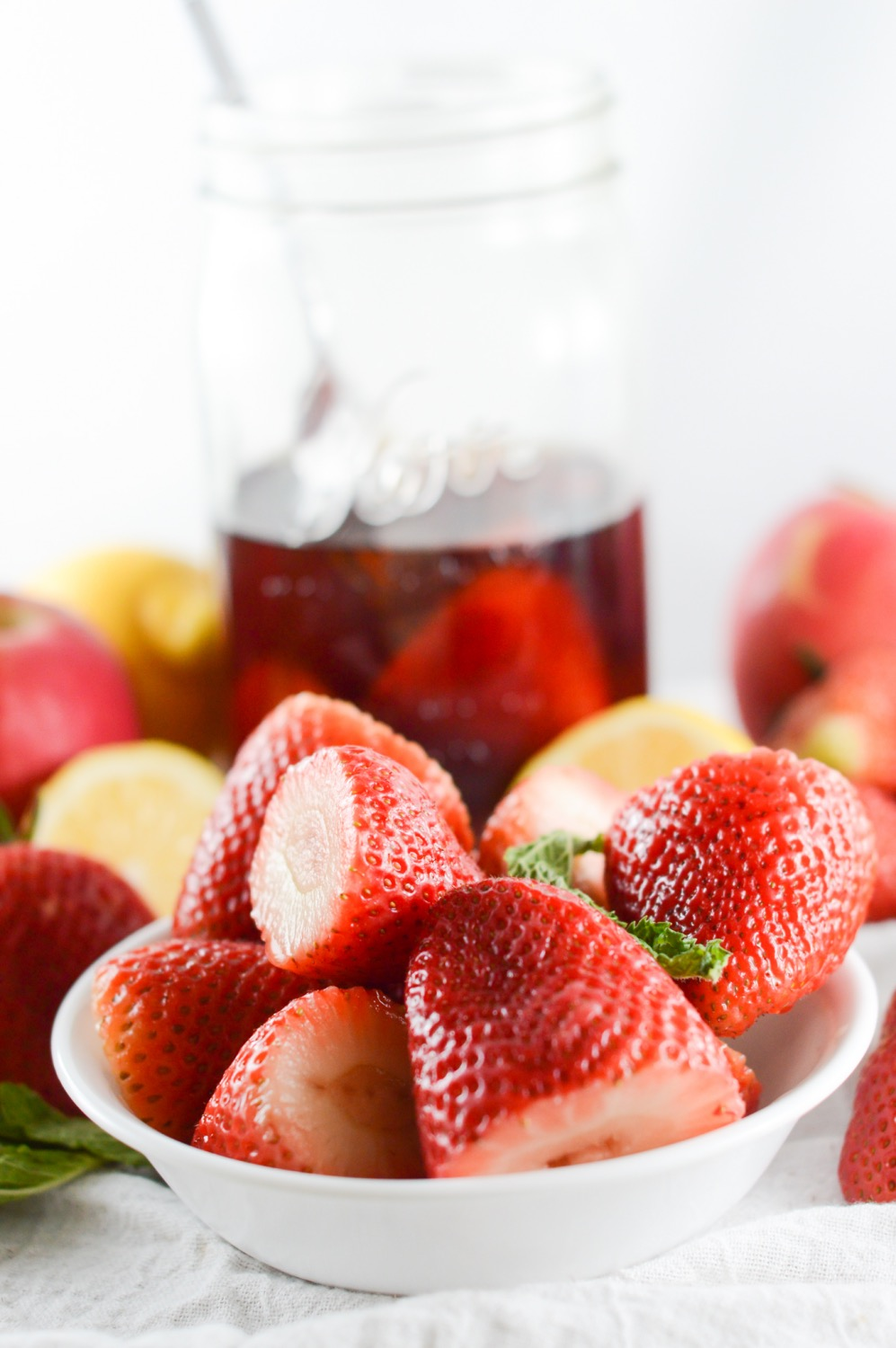 how to make vanilla infused strawberries salad