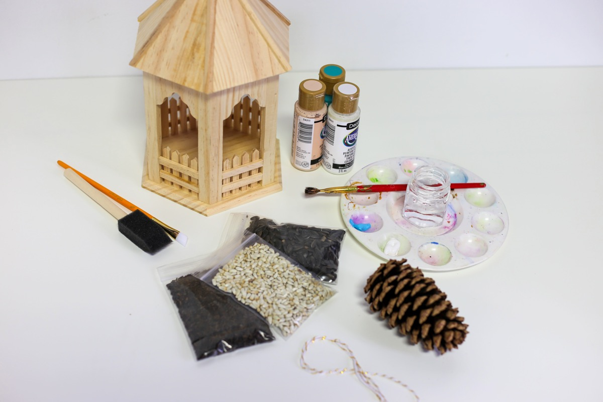 supplies inside the april 2020 craft in style box