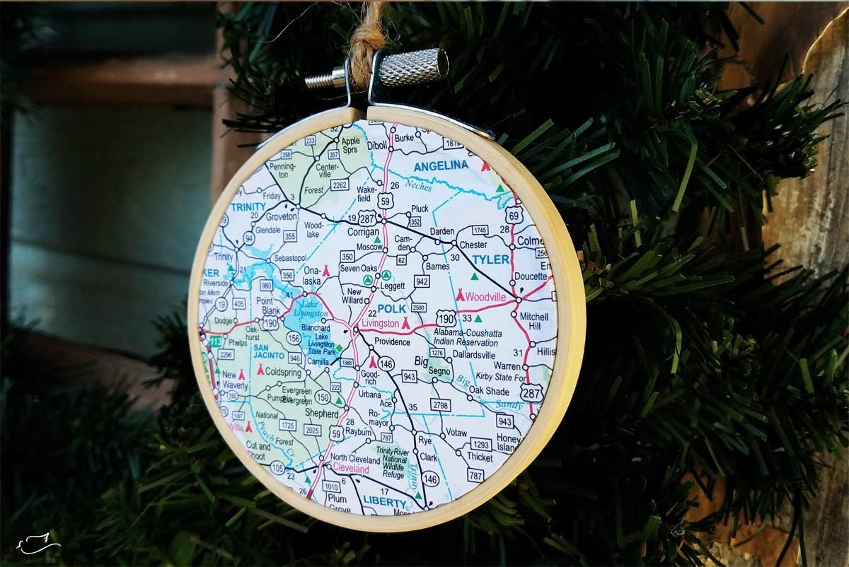Christmas-diy-embroidery-hoop-map-ornament-tutorial