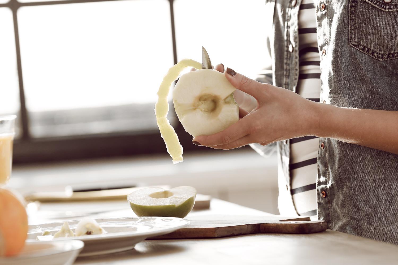 peel apples to make homemade apple butter
