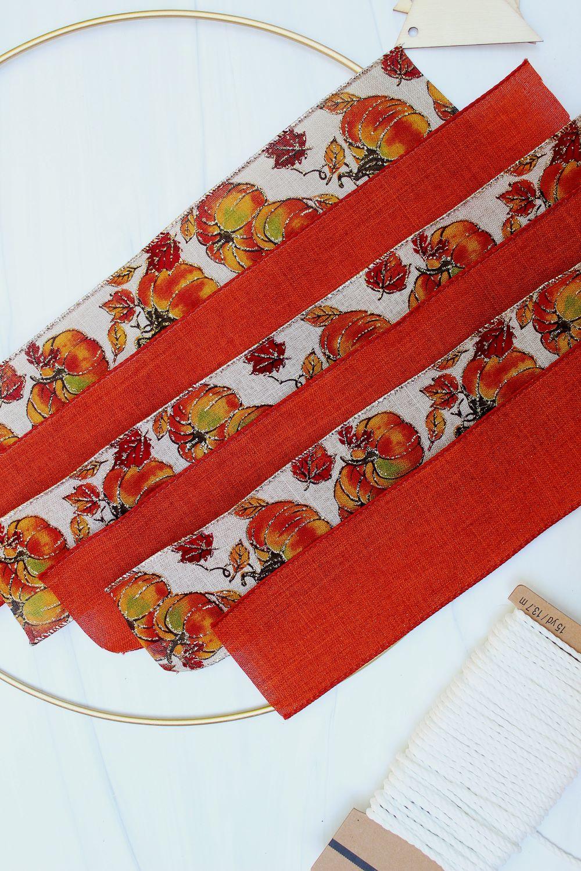 cut ribbon for diy fall wreath 1