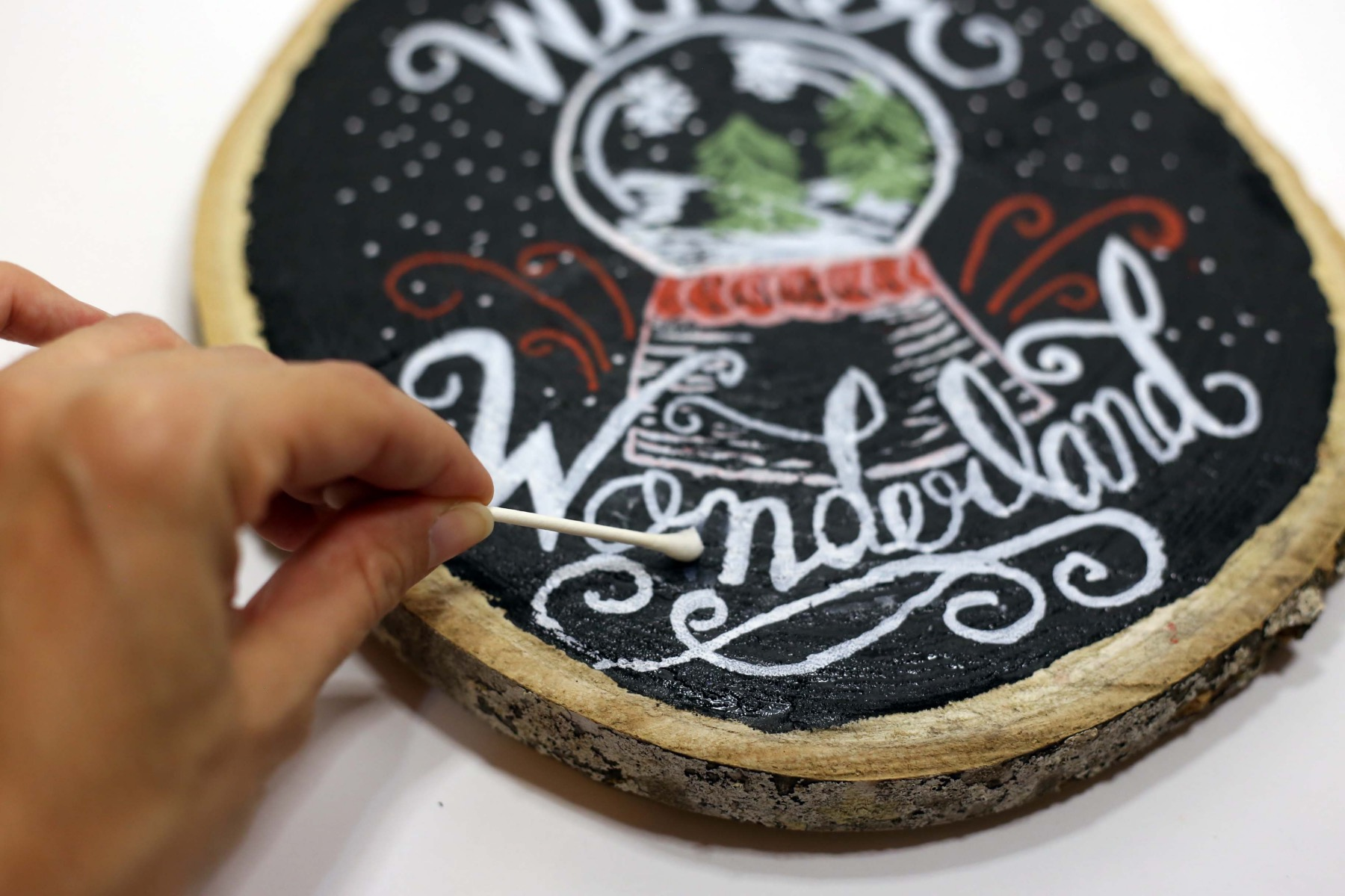 cleaning up the fall chalkboard wooden sign