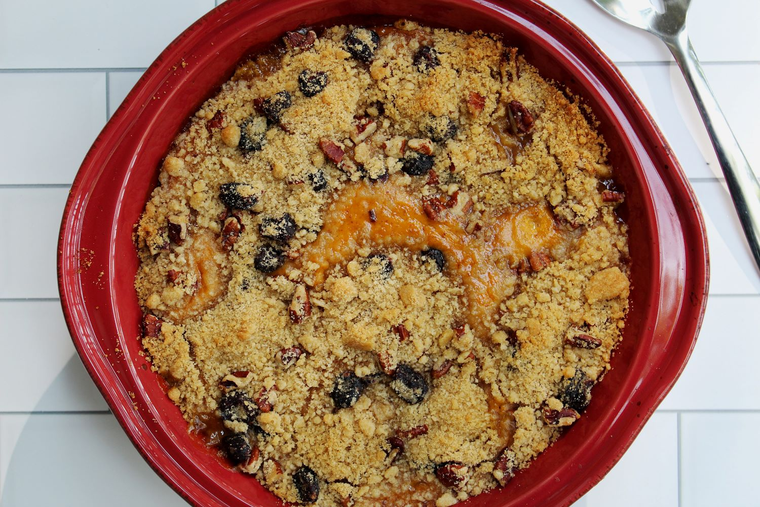 top view pumpkin crumble with cranberry walnut streusel 1