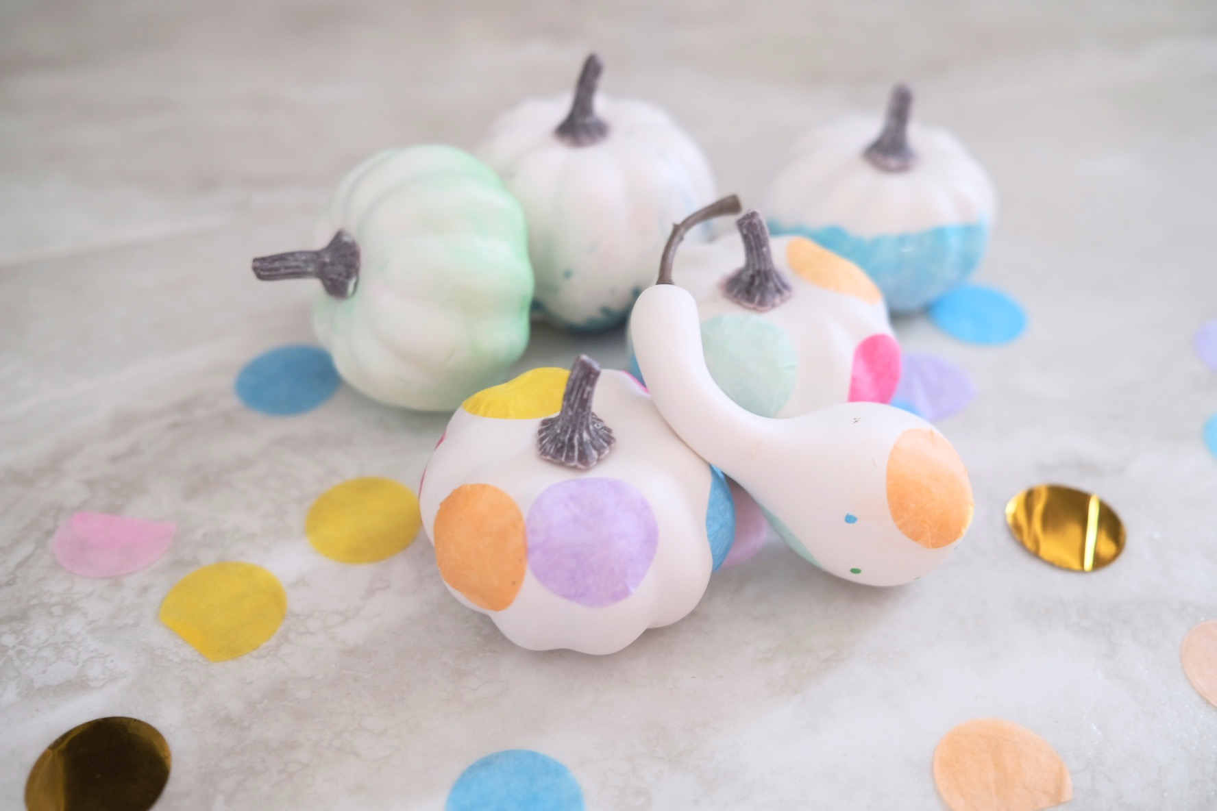 painted pumpkins and confetti pumpkins tutorial