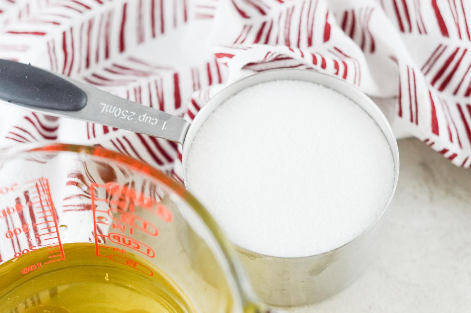 use sugar to make homemade simple syrup