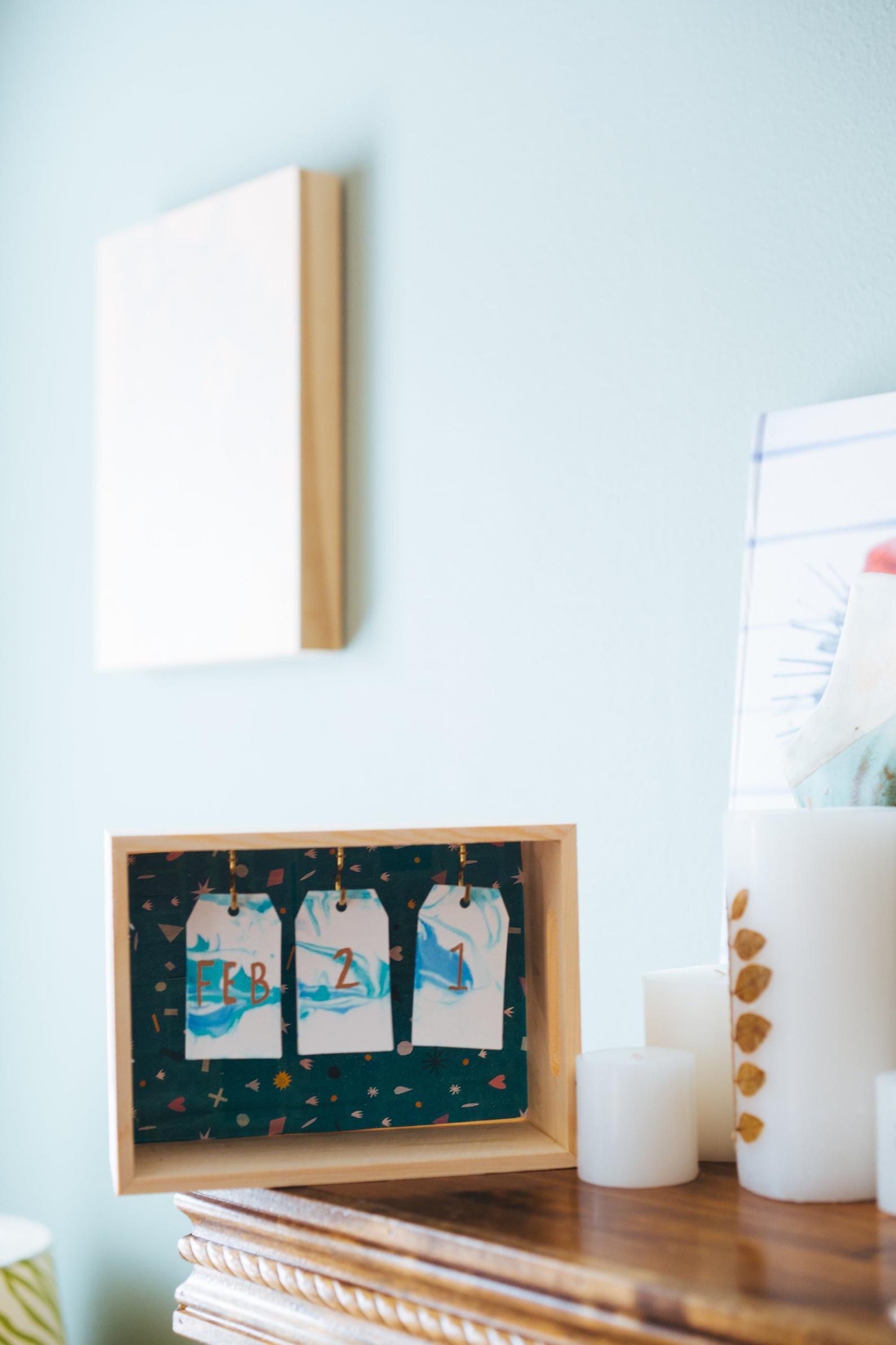 wood and marbled paper desk calendar diy kit