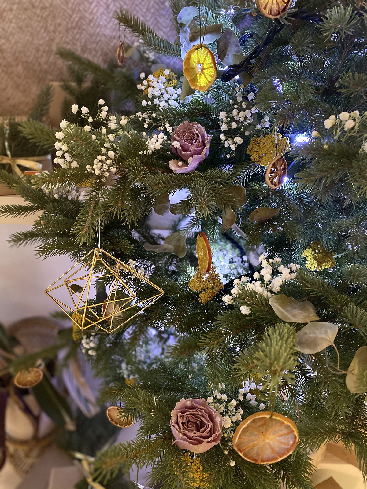 DIY Dried Flower Christmas Tree