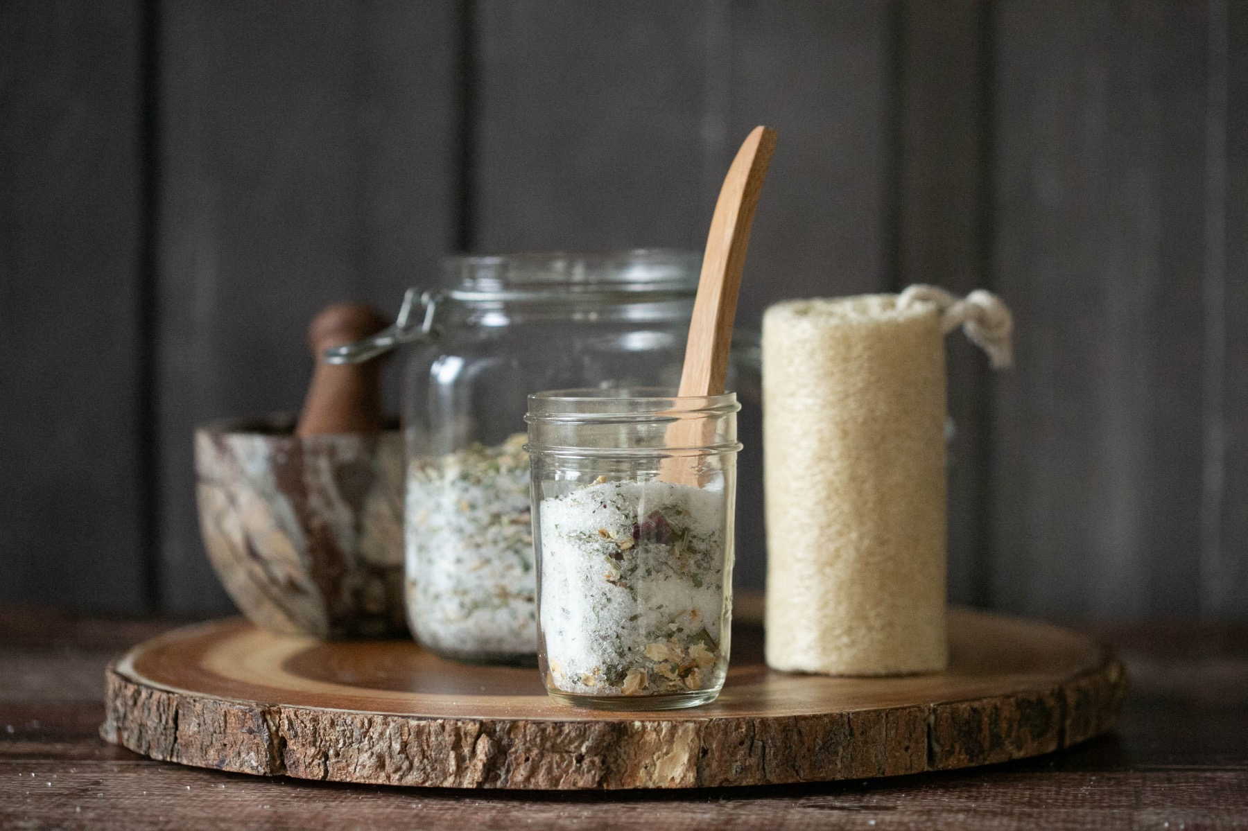 how to make a relaxing bath with homemade bath soaks