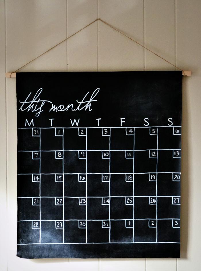 seamless days chalkboard calendar craft tutorial
