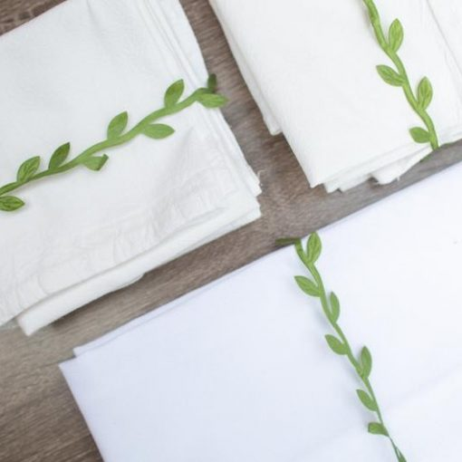 blank-flour-sack-tea-towels-with-raffia_square