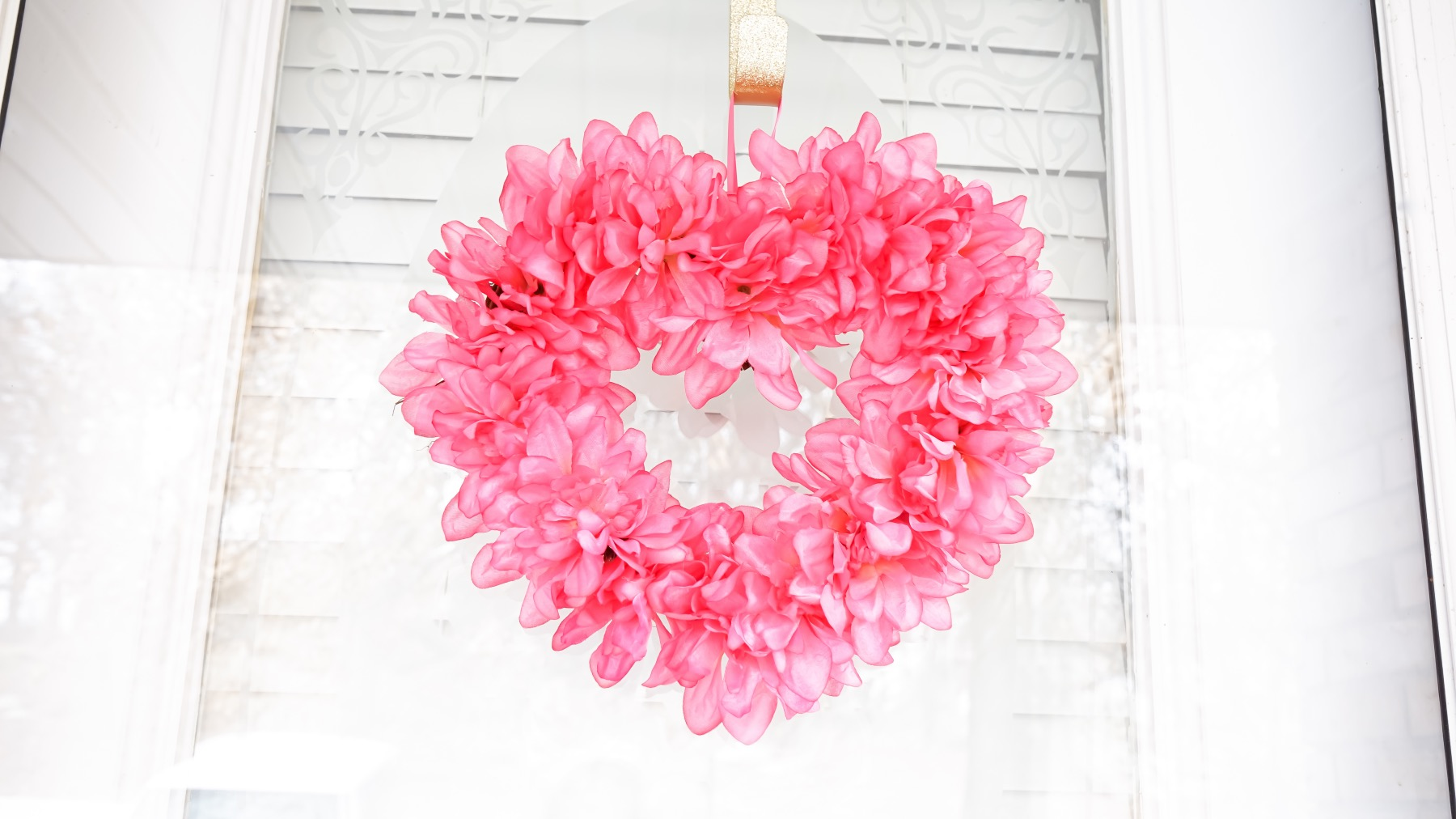 detail of valentines heart wreath tutorial pop shop america
