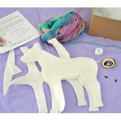 inside-the-felt-unicorn-making-kit-square