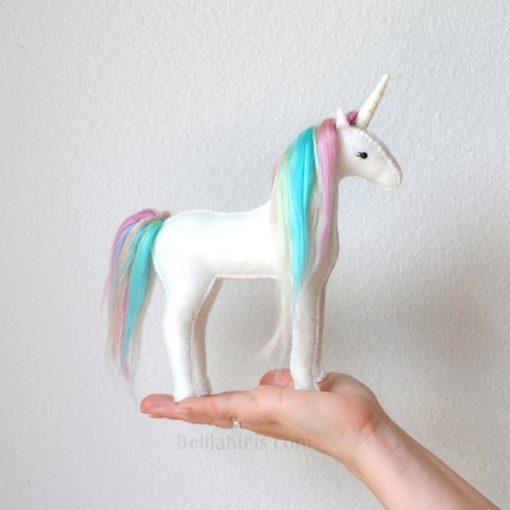 white-felt-unicorn-craft-supply-kit-pop-shop-america_square