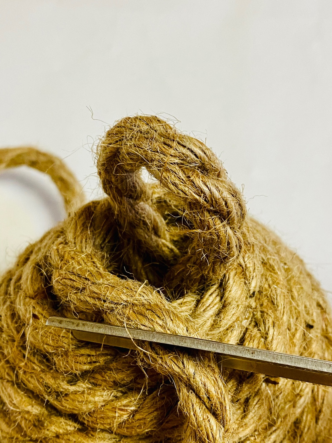 finish attaching the rope to make a diy beehive