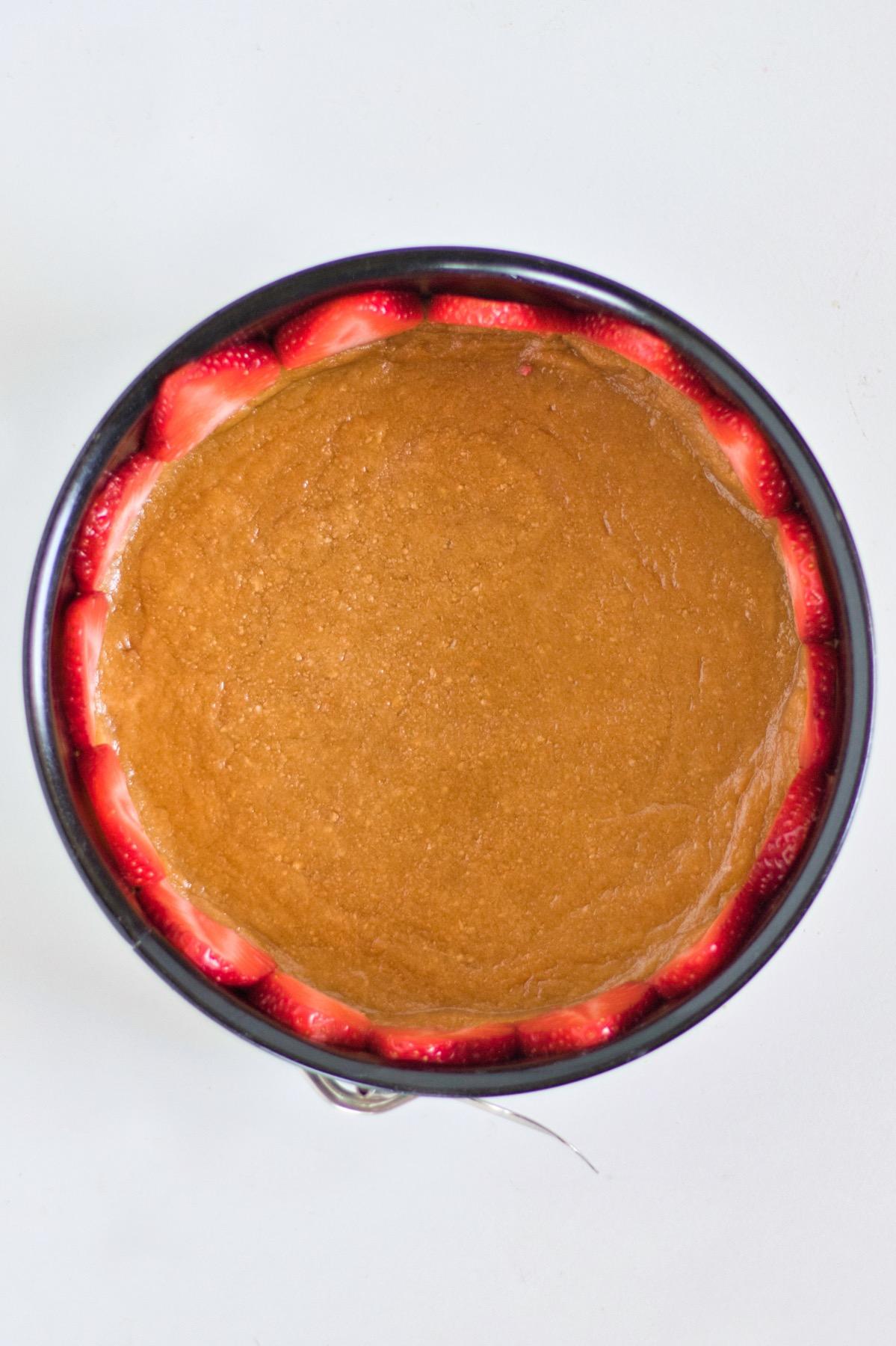 line the springform pan with strawberries cream cumble recipe