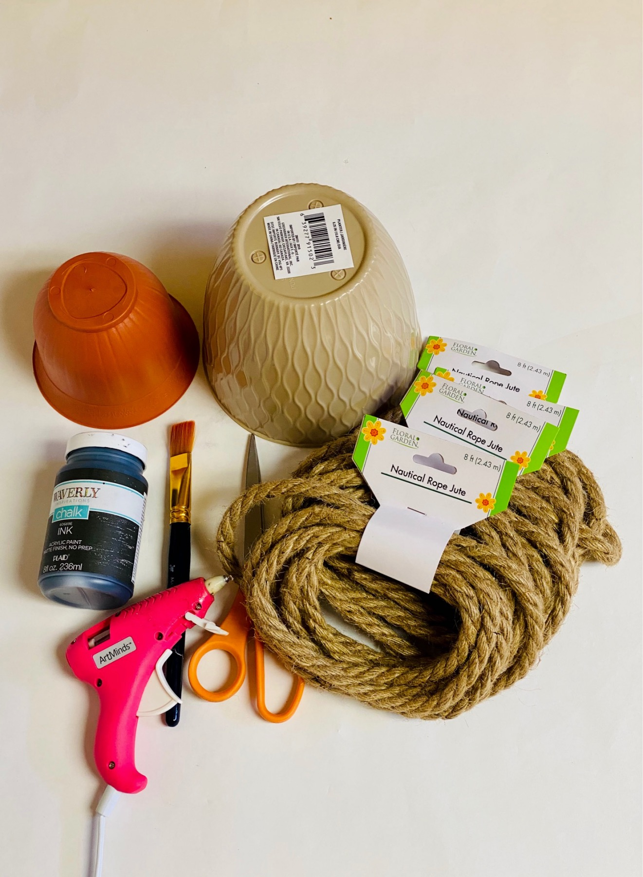 supplies to make a rope beehive decoration