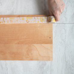 tape-the-edges-of-the-serving-tray_square