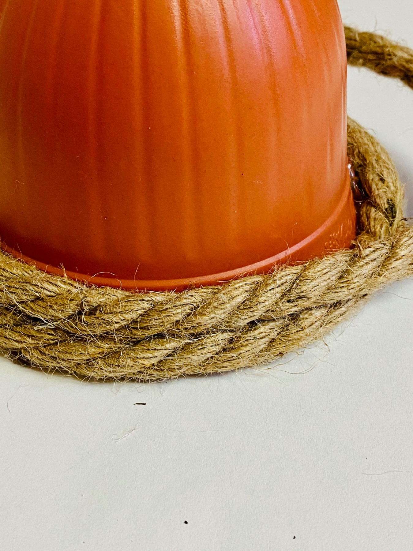 wind the rope around the planter diy beehive tutorial