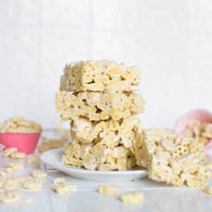 honeycomb crispy treats recipe with marshmallows square