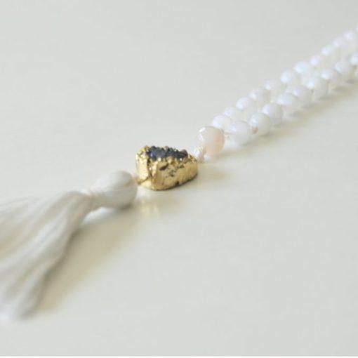 detail-moonstone-mala-necklace-gemstone-jewelry-square