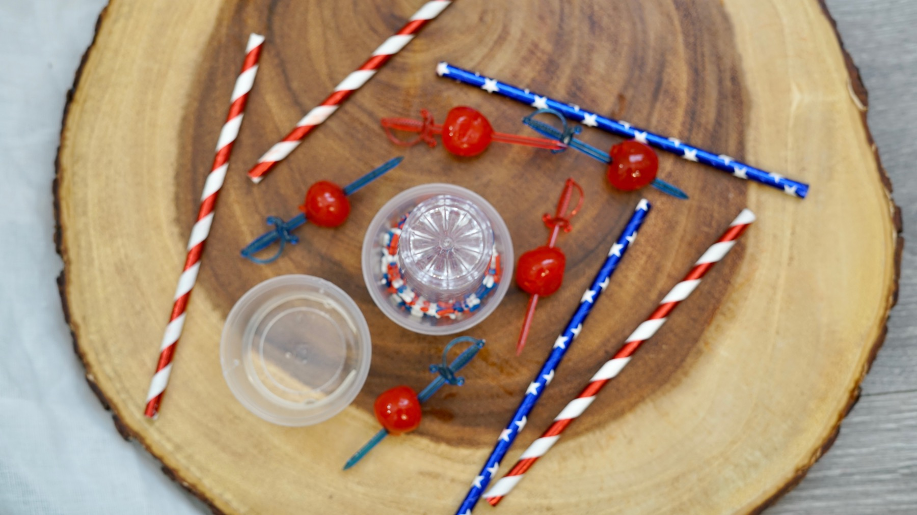 how to make the shot glass rim with sprinkles