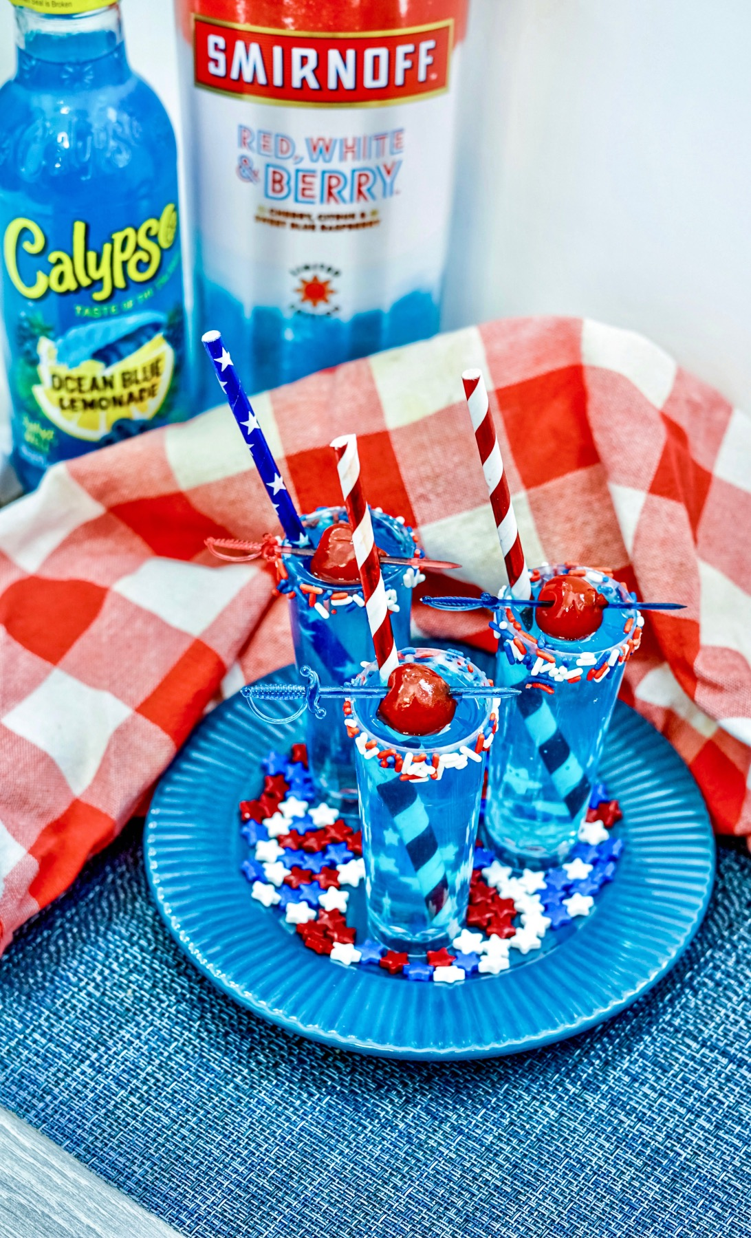 red, white, and berry cocktail shooters recipe