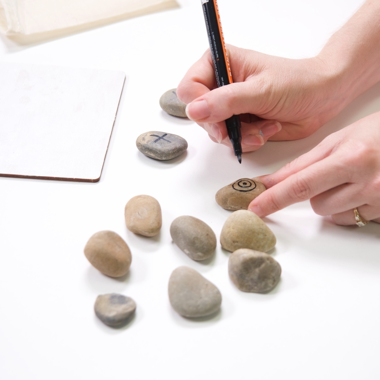 make o's with a paint pen diy tic tac toe set
