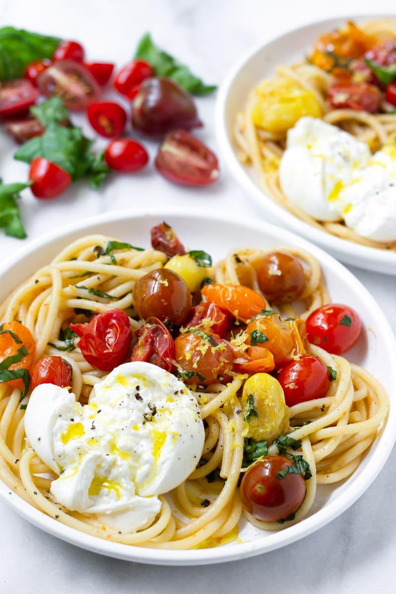 tomato-basil-pasta-burrata-min