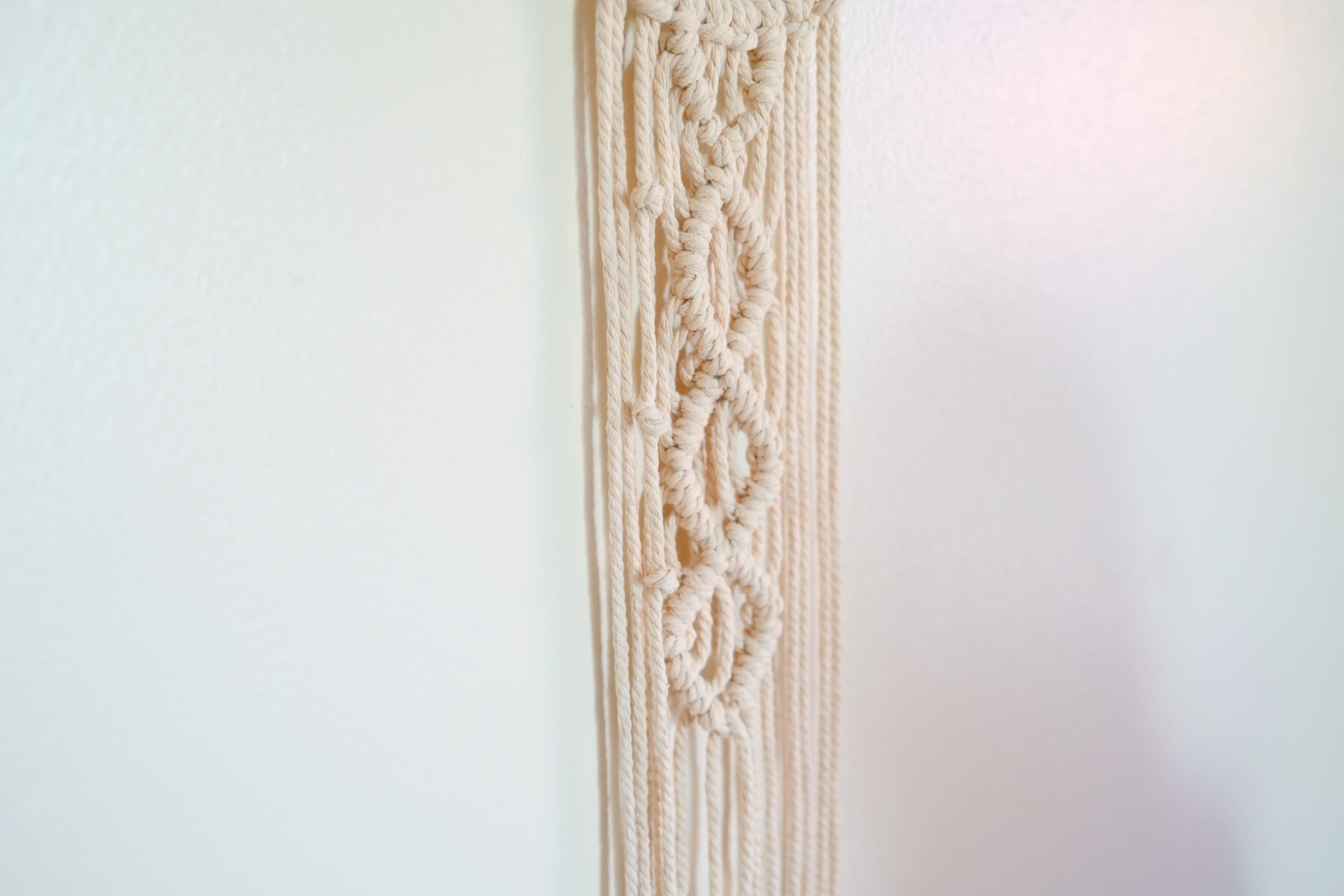finished side of the macrame wall hanging