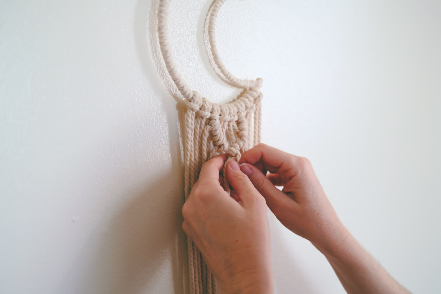 finishing a double half hitch knot craft in style subscription