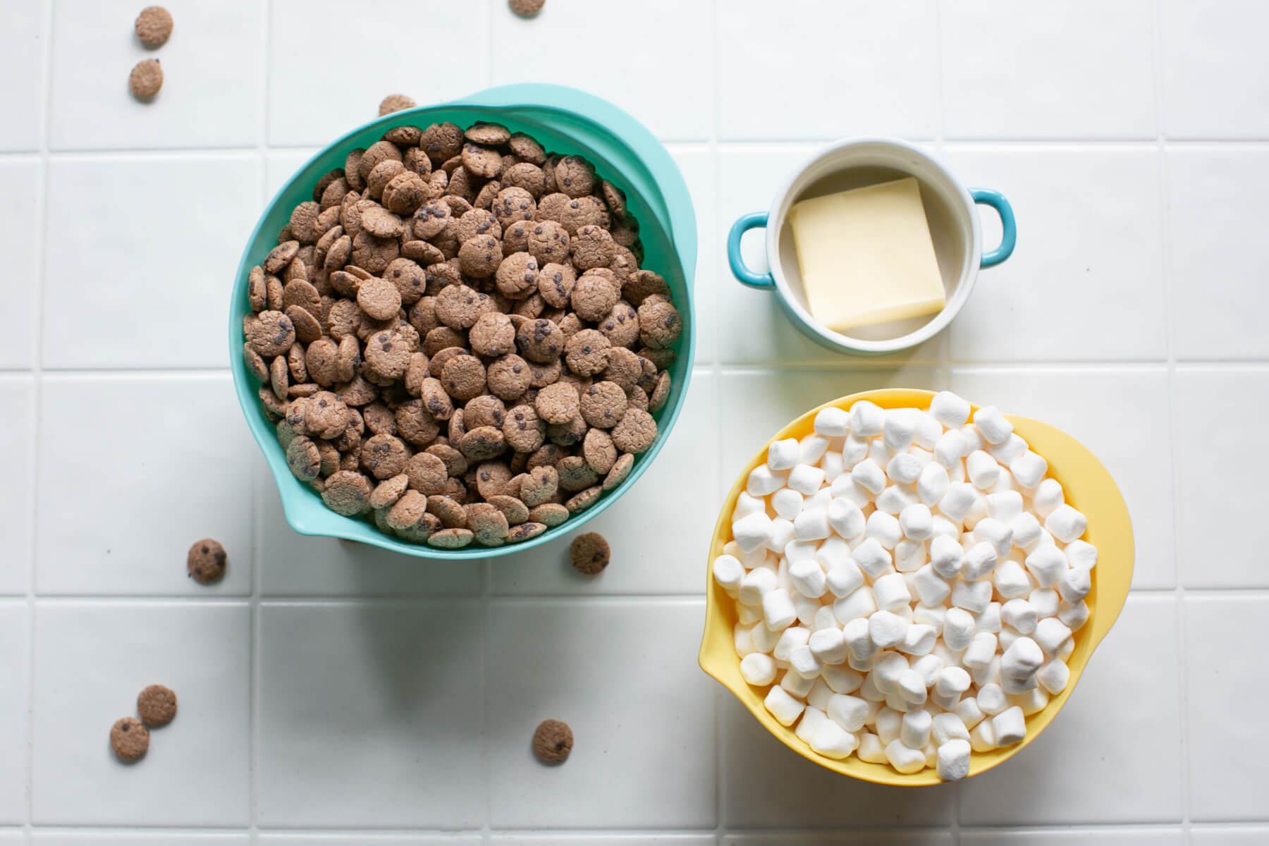 ingredients to make cookie crisp marshmallow treats