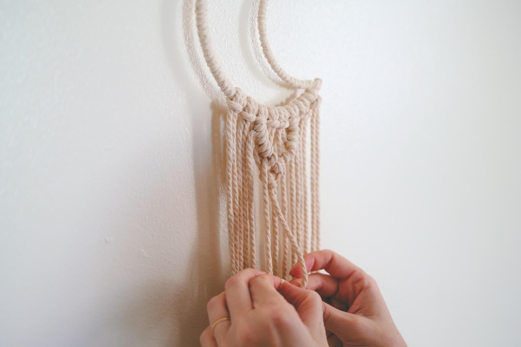 knot making macrame wall hanging tutorial