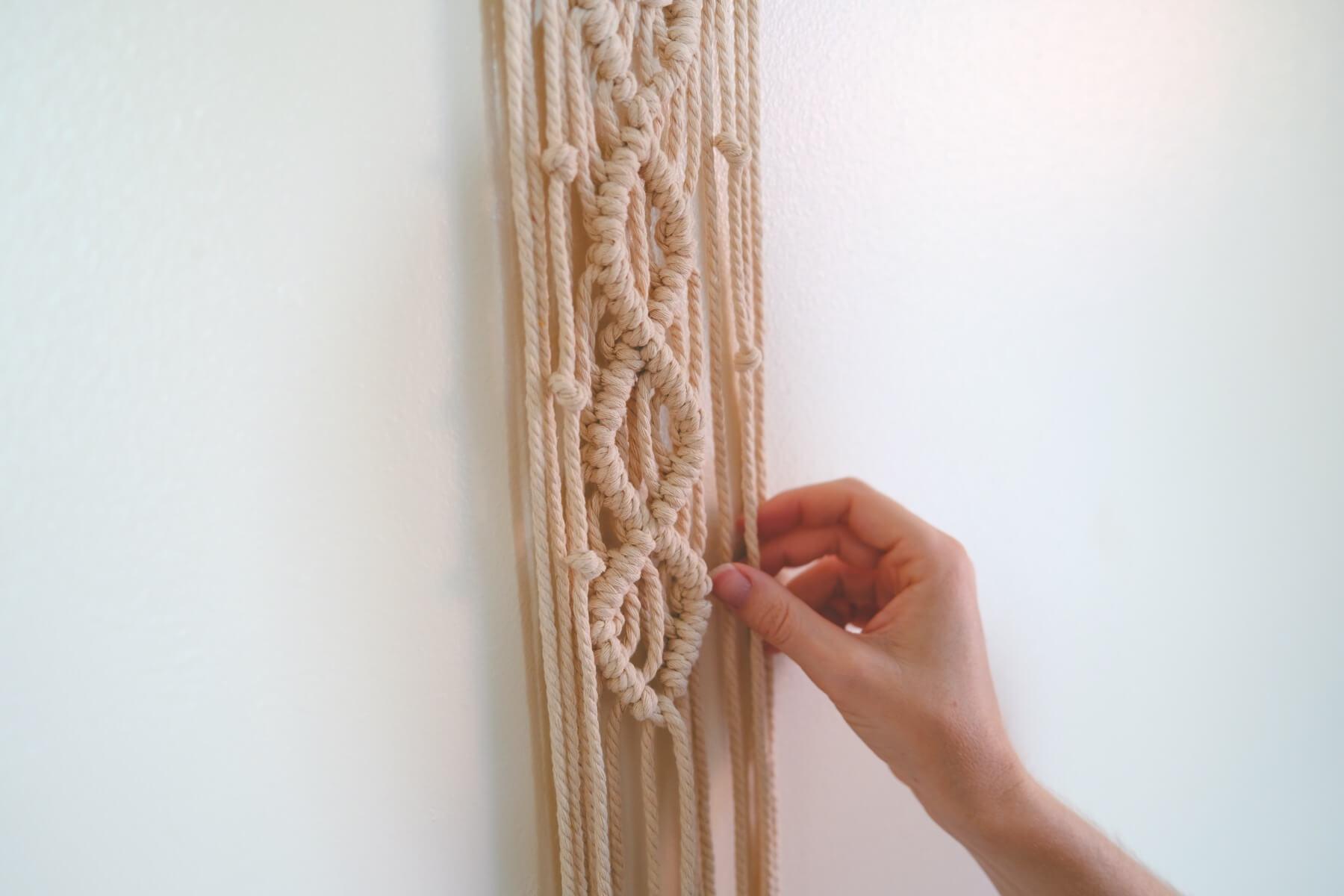 macrame wall hanging finishing last side